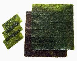 La famosa alga para hacer sushimaki , lo que envuelve el arroz, vamos.